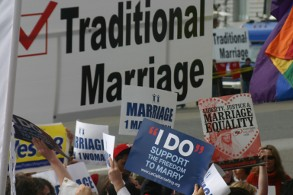 demonstrators for and against prop 8
